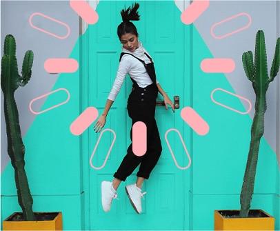 Peru Lima_jumping-girl